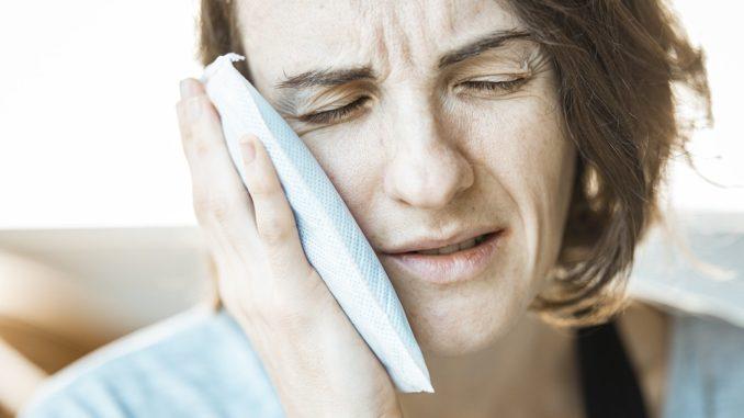 Bylinky a koření ulevující od bolesti zubů. Po čem ideálně sáhnout?
